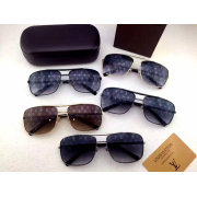 Louis Vuitton AAA Sunglasses #99896458