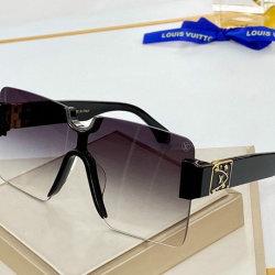 Louis Vuitton AAA Sunglasses #99897588