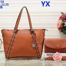 Michael Kors Handbags #893204