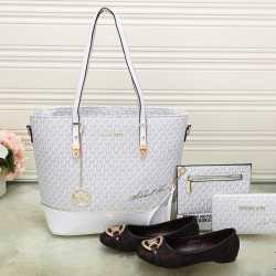 Michael Kors Handbags #992316