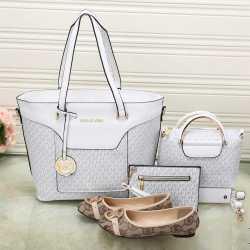 Michael Kors Handbags #992323