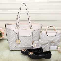 Michael Kors Handbags #992333