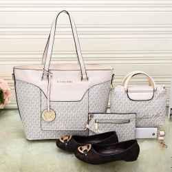 Michael Kors Handbags #992334