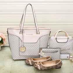 Michael Kors Handbags #992335