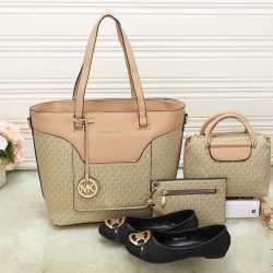 Michael Kors Handbags #992336
